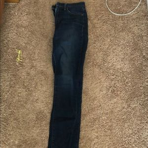 Woman's gap skinny jeans